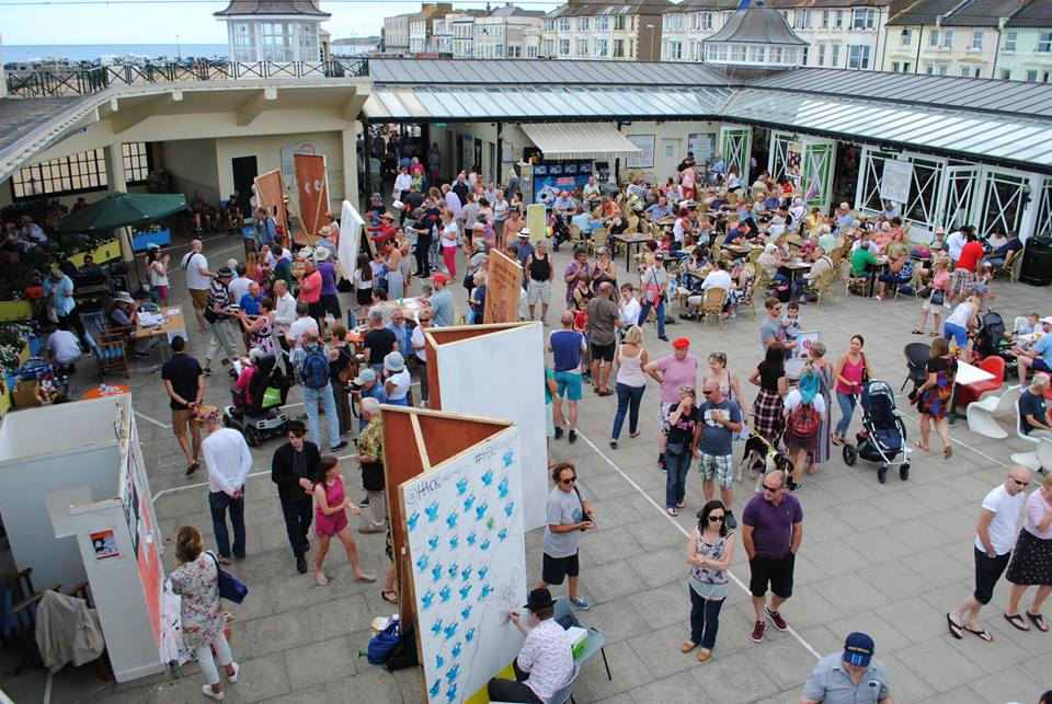 Herne Bay Cartoon Festival 2016 at the Bandstand © Kasia Kowalska